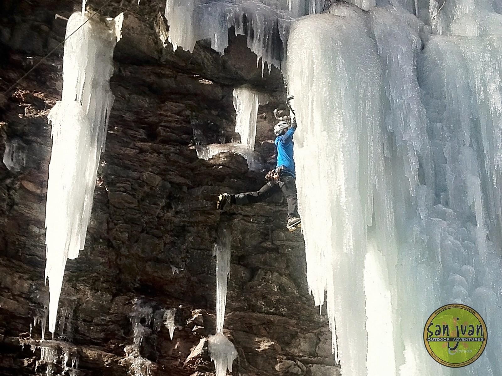 sanjuanoutdoors-iceclimbing